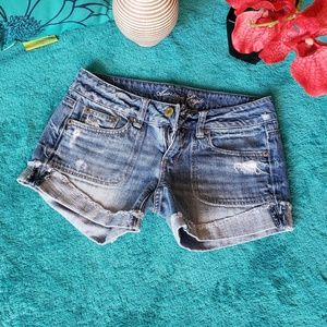 American Eagle cropped jean short